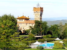 Holiday apartment rentals on the fine Chianti estate of Tenuta Cennina, between Siena and Arezzo, Tuscany, Italy.