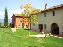 Il Ciglio - a restored Tuscan barn for holidays in the Tuscan countryside