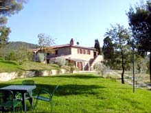 Italy holiday rentals - apartments in Umbria, close to Tuscany. Green Tree vacation rental apartments.