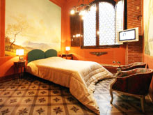 Two self catering apartments apartment in the centre of Lucca city, Tuscany, Italy