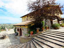 A tuscan villa to rent between Florence and Siena - Il Palmino